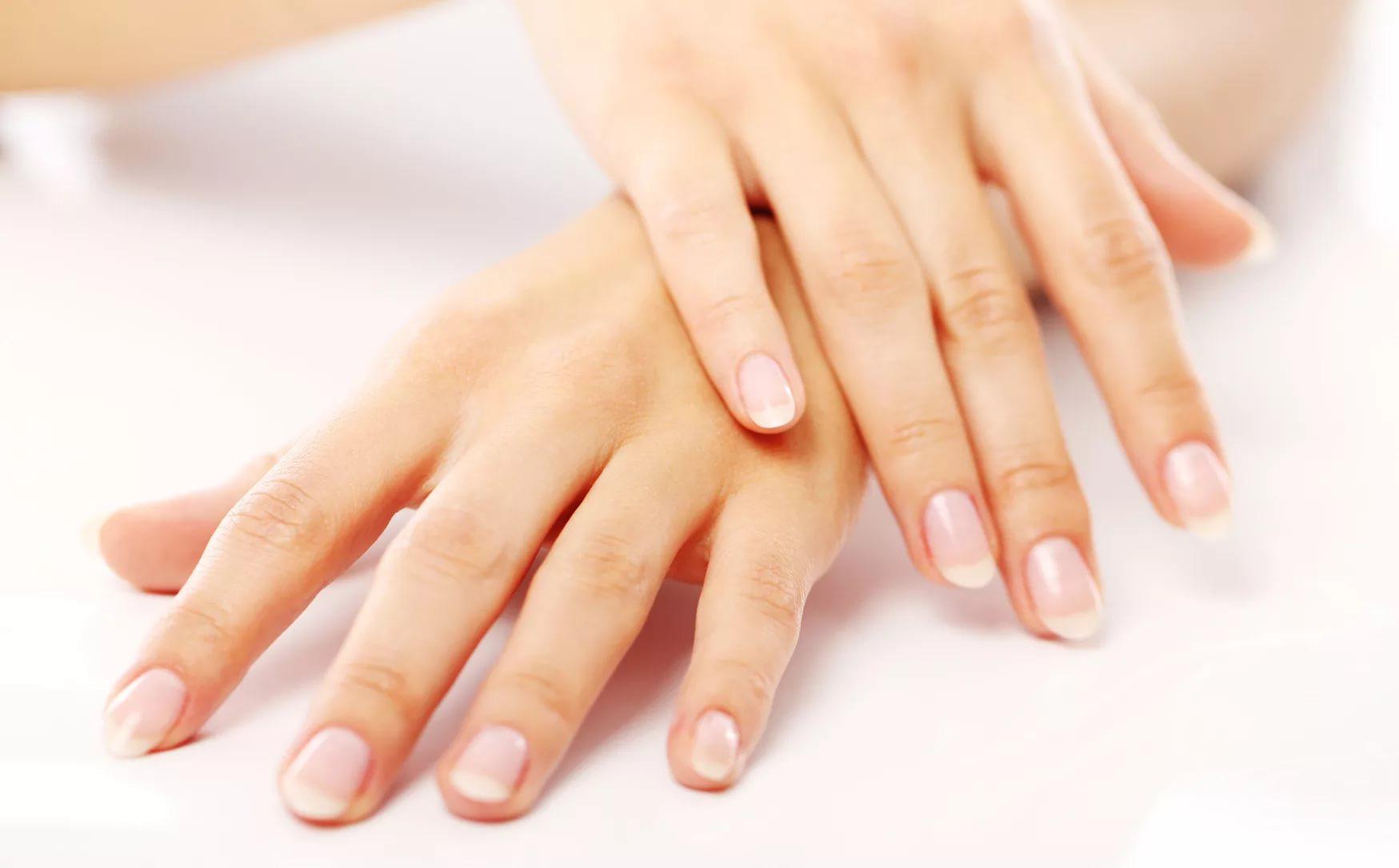 О чем говорят формы ногтей